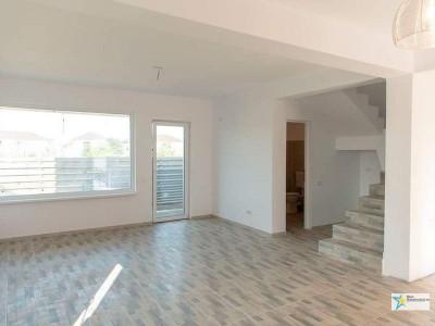 Strada asfaltata - Ansamblu Privat-Duplex 4 camere