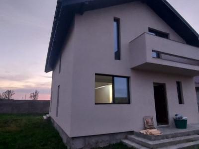 Casa individuala la cheie-Teren 380 mp-Mutare imediata-Stb la 100 m