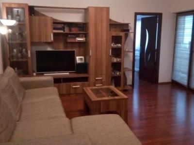 Apartament 3 camere Smardan-Mobilat-2 A.C.-Alarma-Parcare-Stb in zona