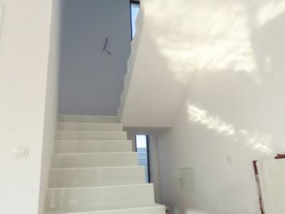 Single-Teren 300 mp-Mutare rapida-4 dormitoare-Toate utilitatile